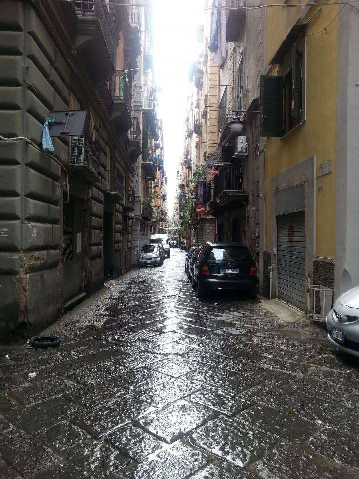 An example of the streets of Naples!