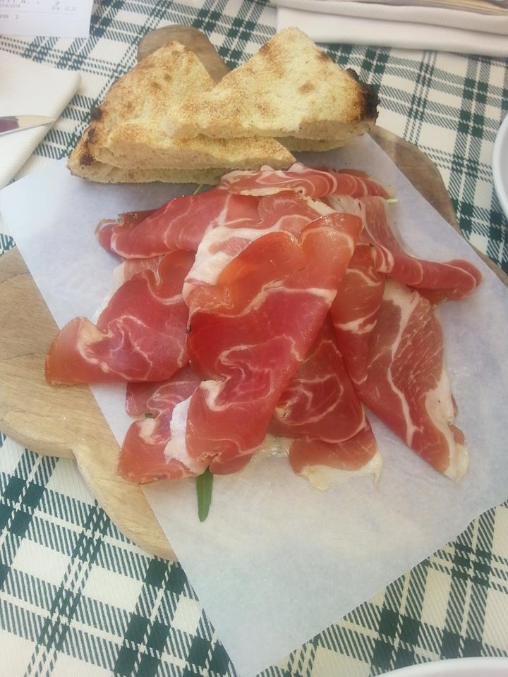 Heart of Proscuitto and Pizza Bread